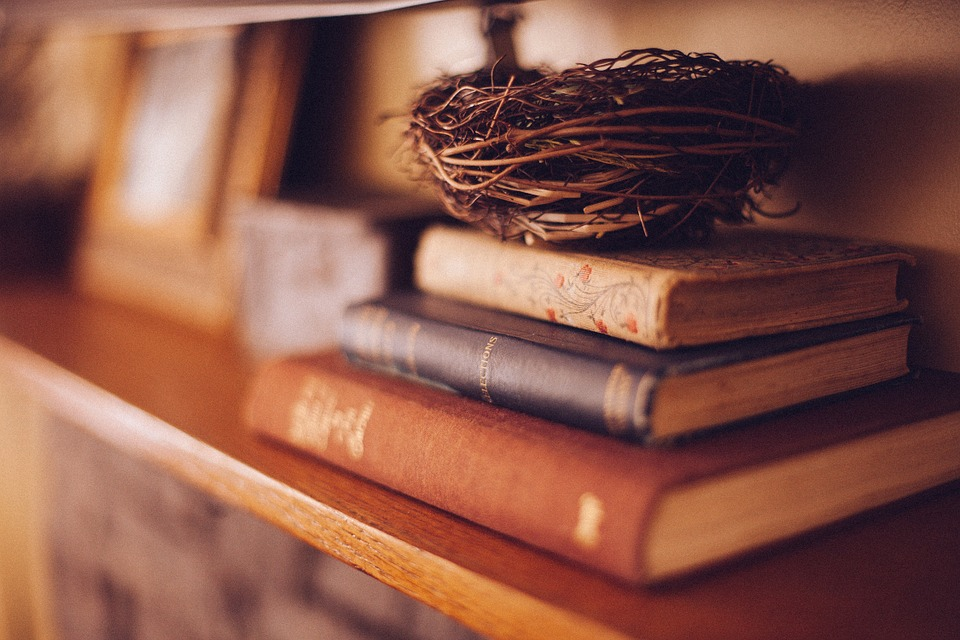 5 Books Every Businessperson Must Read